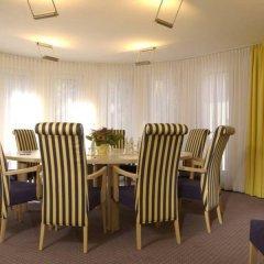Отель GHOTEL hotel & living München – Zentrum Германия, Мюнхен - 1 отзыв об отеле, цены и фото номеров - забронировать отель GHOTEL hotel & living München – Zentrum онлайн питание фото 3