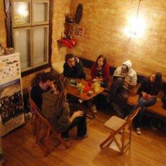 Отель Hikers Hostel Болгария, Пловдив - отзывы, цены и фото номеров - забронировать отель Hikers Hostel онлайн спортивное сооружение