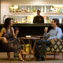 Отель Expo Hotel Испания, Валенсия - 4 отзыва об отеле, цены и фото номеров - забронировать отель Expo Hotel онлайн гостиничный бар