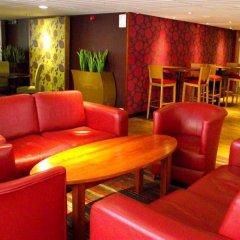 Отель Premier Inn Glasgow City - Charing Cross развлечения