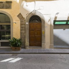 Отель Lambertesca Mono Флоренция вид на фасад