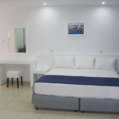 Sun Hall Beach Hotel Apts. in Larnaca, Cyprus from 70$, photos, reviews - zenhotels.com guestroom
