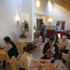 Отель Landhaus Sixtmuhle Германия, Тауфкирхен - отзывы, цены и фото номеров - забронировать отель Landhaus Sixtmuhle онлайн питание фото 2
