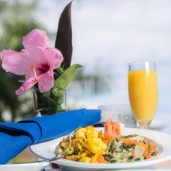 Отель The Cardiff Hotel & Spa Ямайка, Ранавей-Бей - отзывы, цены и фото номеров - забронировать отель The Cardiff Hotel & Spa онлайн бассейн фото 3