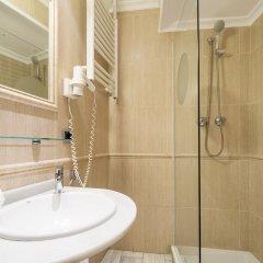 Отель Petit Palace Puerta de Triana ванная
