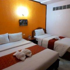 Отель Thepparat Lodge Krabi сейф в номере