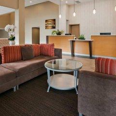 Отель Best Western PLUS Kings Inn & Conference Centre Канада, Бурнаби - отзывы, цены и фото номеров - забронировать отель Best Western PLUS Kings Inn & Conference Centre онлайн интерьер отеля