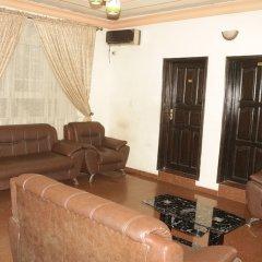 Отель Chisam Suites Annex комната для гостей