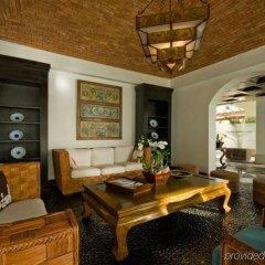Отель Aquamarina Luxury Residences развлечения
