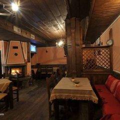 Отель Gozbarov's Guest House Болгария, Копривштица - отзывы, цены и фото номеров - забронировать отель Gozbarov's Guest House онлайн гостиничный бар