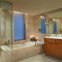 Отель The Ritz-Carlton, Dubai International Financial Centre ОАЭ, Дубай - 8 отзывов об отеле, цены и фото номеров - забронировать отель The Ritz-Carlton, Dubai International Financial Centre онлайн ванная