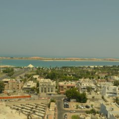 Sheraton Khalidiya Hotel пляж фото 2