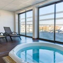 Отель Lagrange Apart'HOTEL Lyon Lumière Франция, Лион - отзывы, цены и фото номеров - забронировать отель Lagrange Apart'HOTEL Lyon Lumière онлайн бассейн фото 3