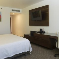 Отель Holiday Inn Express Puebla сейф в номере