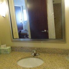 Отель Holiday Inn Express & Suites Niagara Falls США, Ниагара-Фолс - отзывы, цены и фото номеров - забронировать отель Holiday Inn Express & Suites Niagara Falls онлайн ванная