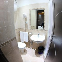 Отель Domus Roma Италия, Рим - отзывы, цены и фото номеров - забронировать отель Domus Roma онлайн ванная