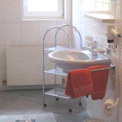 Отель Haus Brigitta ванная фото 2
