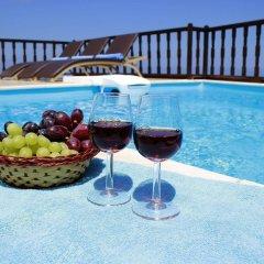 Отель Amerisa Suites Греция, Остров Санторини - отзывы, цены и фото номеров - забронировать отель Amerisa Suites онлайн бассейн фото 3