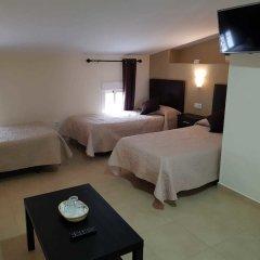 Отель Hostal Málaga сейф в номере