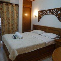 Max Hotel комната для гостей
