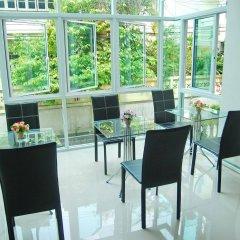 Отель Riski Residence Bangkok-Noi гостиничный бар