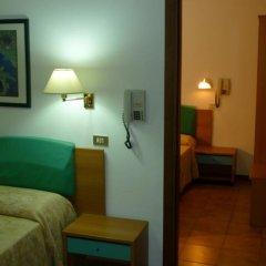 Отель Avana Mare Римини сейф в номере