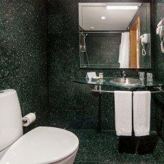 Отель Neat Hotel Avenida Португалия, Понта-Делгада - 1 отзыв об отеле, цены и фото номеров - забронировать отель Neat Hotel Avenida онлайн ванная