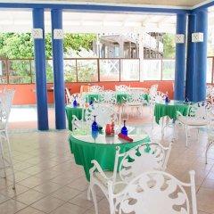 Отель Mangos Boutique Beach Resort фото 2
