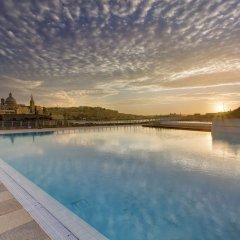 Отель Luxury Apt Ocean Views in Tigne Point, With Pool Мальта, Слима - отзывы, цены и фото номеров - забронировать отель Luxury Apt Ocean Views in Tigne Point, With Pool онлайн бассейн фото 3