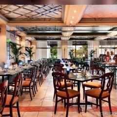 Отель Radisson Blu Hotel & Resort ОАЭ, Эль-Айн - отзывы, цены и фото номеров - забронировать отель Radisson Blu Hotel & Resort онлайн питание фото 2