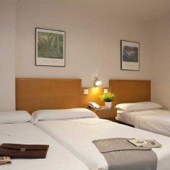 Отель Hostal Lami Испания, Эсплугес-де-Льобрегат - 5 отзывов об отеле, цены и фото номеров - забронировать отель Hostal Lami онлайн комната для гостей фото 3
