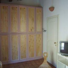 Отель Olivella Suite сейф в номере