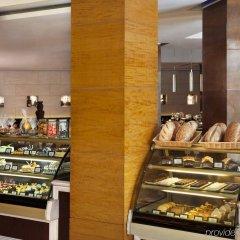 Отель Radisson Blu Plaza Delhi Airport питание