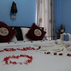 Отель Lanta Family Resort Ланта сейф в номере