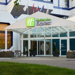 Гостиница Holiday Inn Express Moscow - Khovrino вид на фасад фото 2