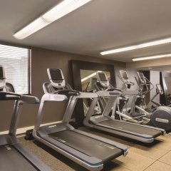 Отель Embassy Suites Bloomington Блумингтон фитнесс-зал фото 4