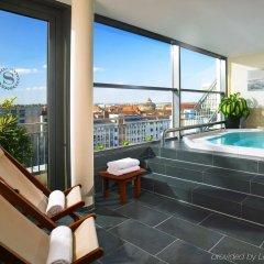 Sheraton Carlton Hotel Nuernberg бассейн