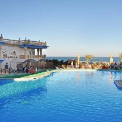 Sphinx Resort Hotel бассейн