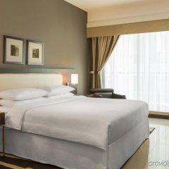 Отель Four Points by Sheraton Sheikh Zayed Road, Dubai Дубай комната для гостей фото 2