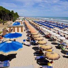 Отель Green Bay Village пляж
