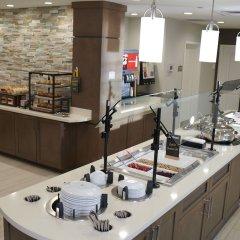 Отель Homewood Suites Columbus-Worthington Колумбус питание