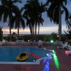 Отель A Piece of Paradise Montego Bay Ямайка, Монтего-Бей - отзывы, цены и фото номеров - забронировать отель A Piece of Paradise Montego Bay онлайн бассейн фото 2