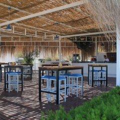 Mavi Beyaz Hotel Beach Club Силифке гостиничный бар