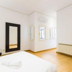 Отель Puerta del Sol Stylish Aparments by Allô Housing Испания, Мадрид - отзывы, цены и фото номеров - забронировать отель Puerta del Sol Stylish Aparments by Allô Housing онлайн комната для гостей фото 3