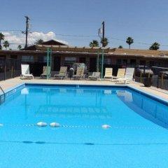 Отель Desert Hills Motel США, Лас-Вегас - отзывы, цены и фото номеров - забронировать отель Desert Hills Motel онлайн бассейн