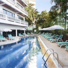 Inn Patong Hotel Phuket бассейн