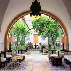American Colony Hotel The Leading Hotels of the World Израиль, Иерусалим - отзывы, цены и фото номеров - забронировать отель American Colony Hotel The Leading Hotels of the World онлайн интерьер отеля