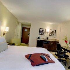 Отель Hampton Inn & Suites Chicago Downtown удобства в номере
