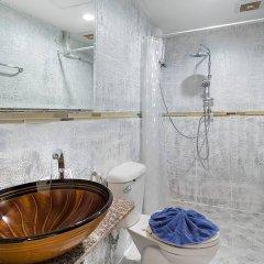 Отель The Shades Boutique Hotel Patong Phuket Таиланд, Патонг - отзывы, цены и фото номеров - забронировать отель The Shades Boutique Hotel Patong Phuket онлайн ванная фото 2