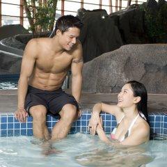 Отель River Rock Casino Resort Канада, Ричмонд - отзывы, цены и фото номеров - забронировать отель River Rock Casino Resort онлайн бассейн